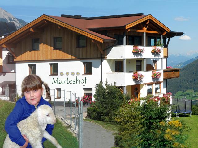 Marteshof. Dorfblick