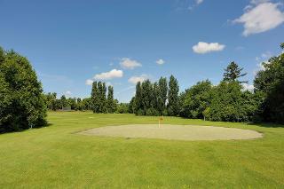 hauseigener Golfplatz