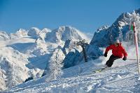 Skifahrenin der Skiregion Dachstein West | © OOE Tourismus