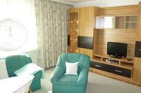 Wohnzimmer mit Fernseher | © Ferienwohnung Rainer Elisabeth in Bad Goisern