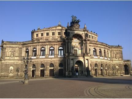 Alte und neue Glanzlichter Dresdens Baustein 5: Führung in der Gemäldegalerie & in der Semperoper - 13:30 Uhr