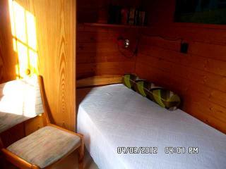 Ferienhaus Paul   Gästezimmer mit TV-Gerät und DVD