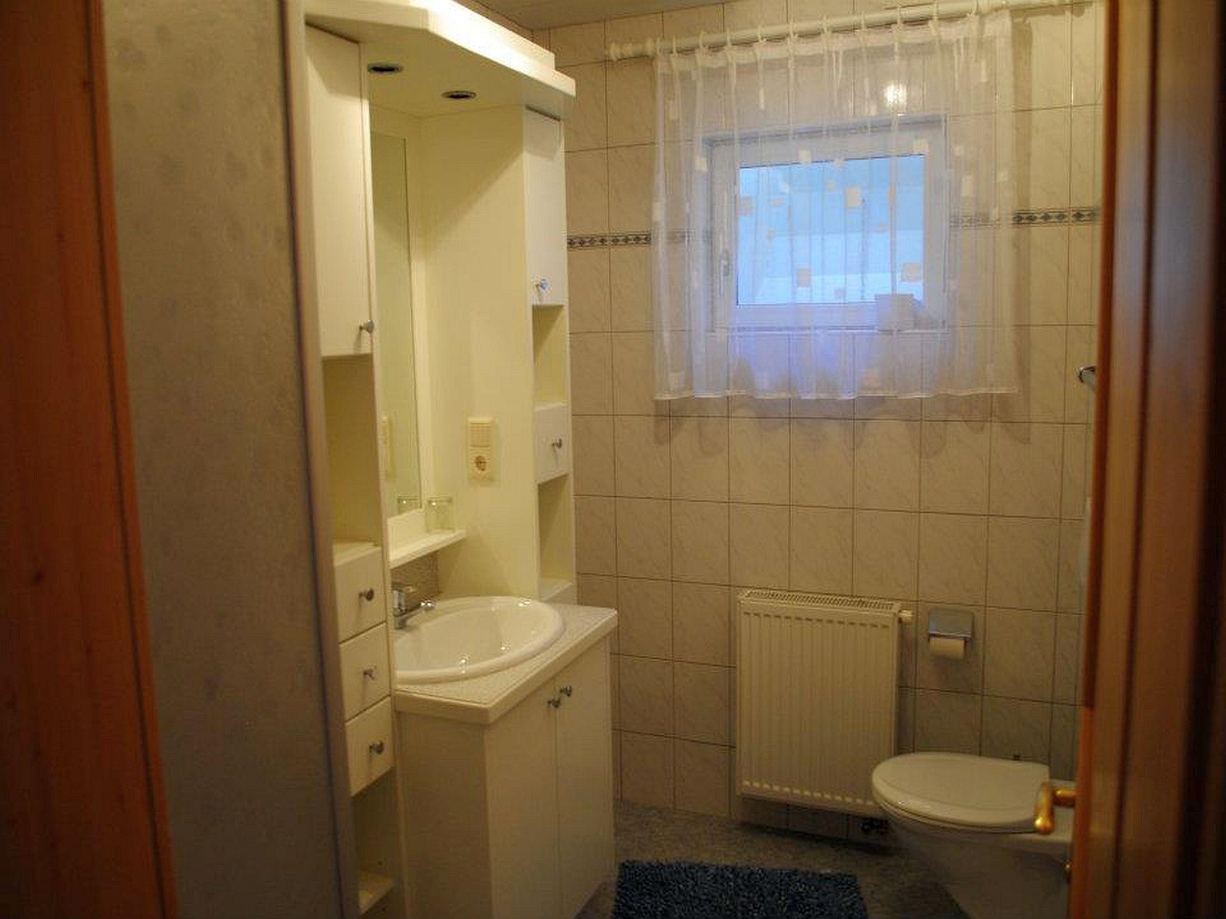 ferienwohnung maierhof flirsch ferienwohnung 60 qm 2 schlafzimmer max 5 personen st. Black Bedroom Furniture Sets. Home Design Ideas