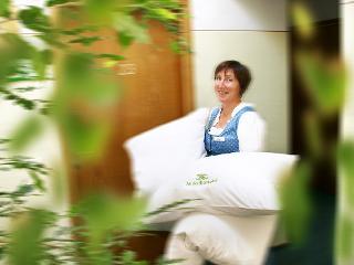Unsere stillen Engel sorgen mit Fleiß und Akkuratesse für Sauberkeit und Schönheit in den Zimmern und im Haus.