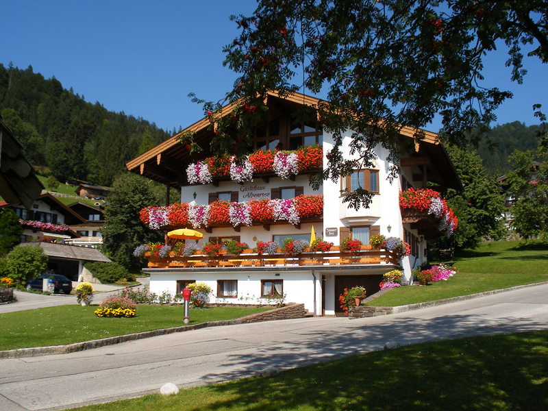 Gästehaus Alpenrose (DE Reit im Winkl). (8) Zwei-Raum-Ferienwohnung 41qm, Dusche/WC, Extra-Schlafraum, Küche, 2 Balkone