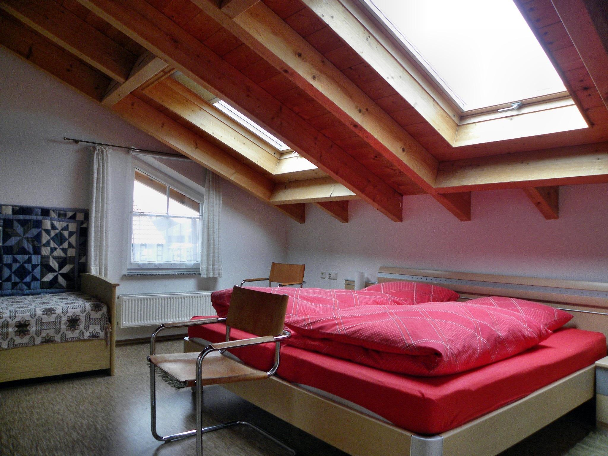velte renate u lothar de grassau ferienwohnung 64 qm f 2 4 pers wohnzi mit schlafcouch. Black Bedroom Furniture Sets. Home Design Ideas