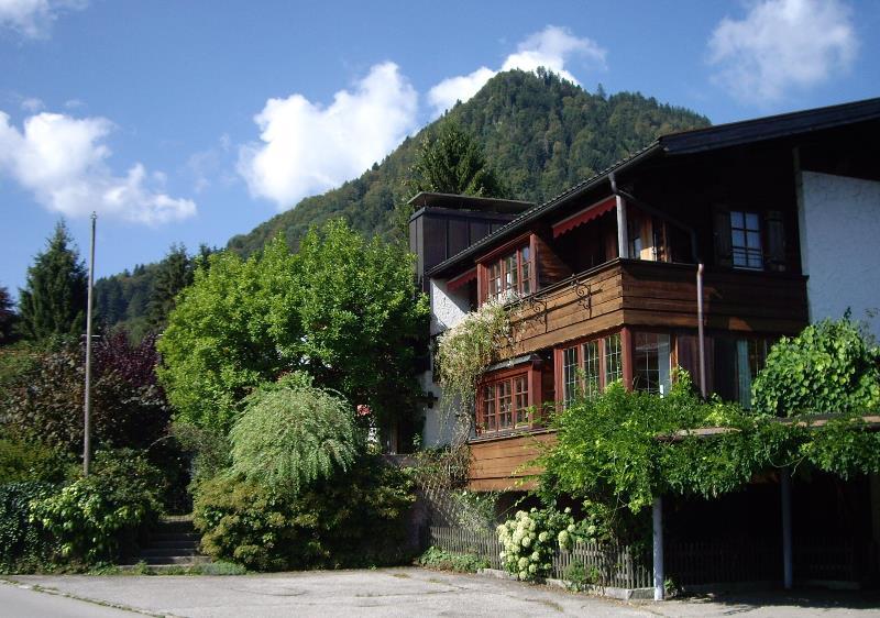 Haus Sonnleit'n (DE Ruhpolding). Ferienwohnung Rauschberg (50qm), Balkon, Kochnische, 1 Schlaf- und 1 Wohn-/Schlafzimmer, max 3 Personen