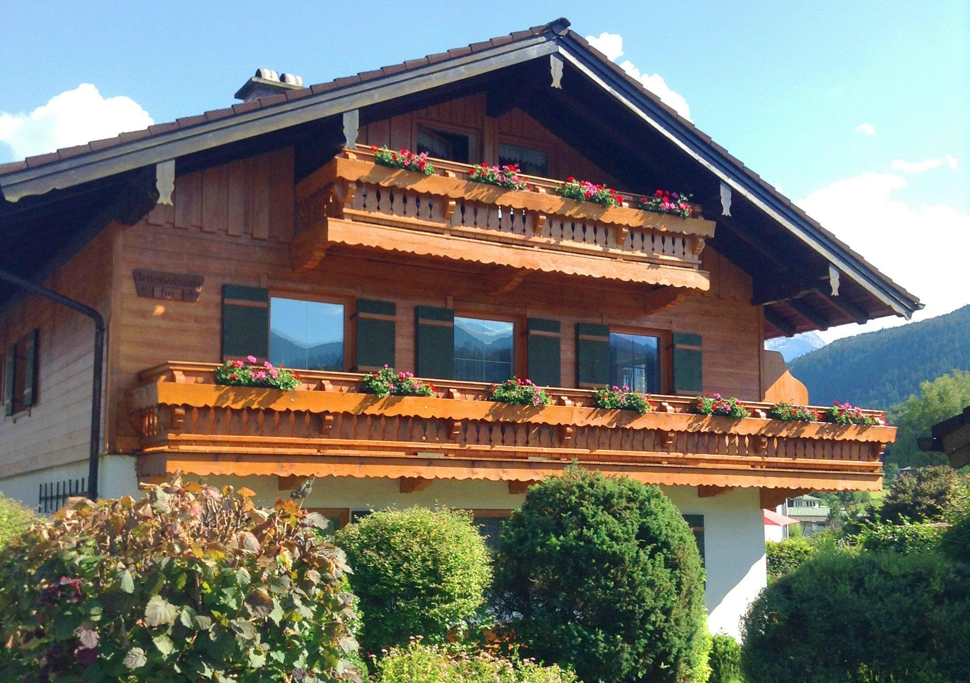 Haus Aigner (DE Bischofswiesen). Ferienwohnung für  1-4 Personen, 45 bzw. 65 m², 2 Schlafzimmer, Wohnzimmer, Kochnische, 2 Bäder, Balkon