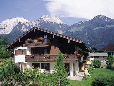 Fewo Becker Becker (DE Schönau a. Königssee). Ferienwohnung 1 bis 4 Personen, 80 qm, 2 Schlafzimmer, extra Küche, Terrasse