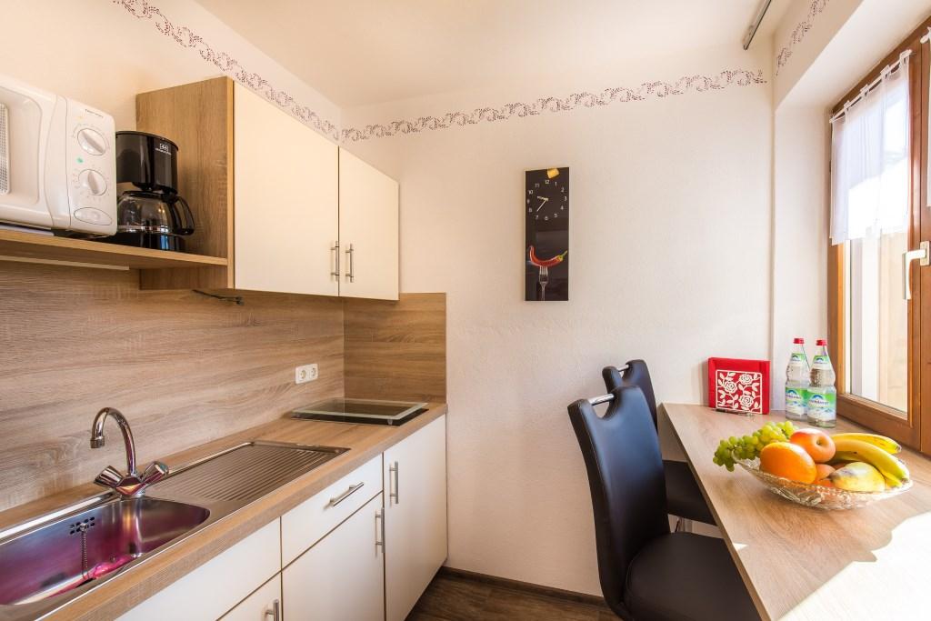 g stehaus wolfgang de ruhpolding fewo 6 thumsee 48 qm 1 schlaf und 1 wohnzimmer max. Black Bedroom Furniture Sets. Home Design Ideas