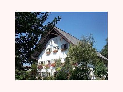 Altes Forsthaus (DE Reit im Winkl). Altes Forsthaus Zwei-Raum-Wohnung, 65qm, Dusche/WC, Extra-Schlafraum, Küche, Terrasse