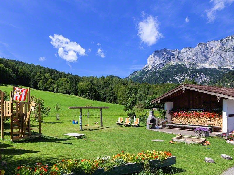 Berghof Lippenlehen (DE Marktschellenberg). Ferienwohnung 1 für 2-5 Personen