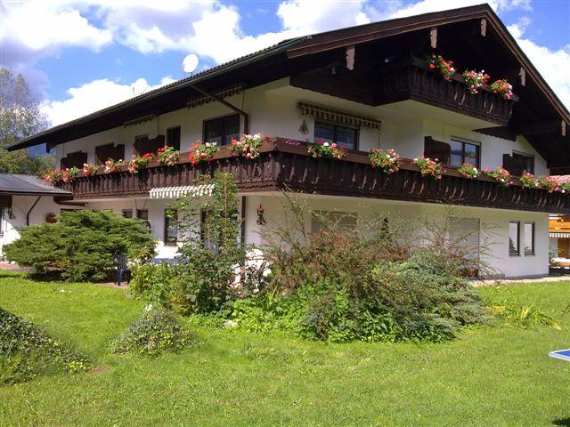 Alpenpension Bergidyll Radu Elena (DE Schönau a. Königssee). Ferienwohnung für 2 bis 6 Personen, 120 qm, zwei separate Schlafzimmer, Küche extra, zusä