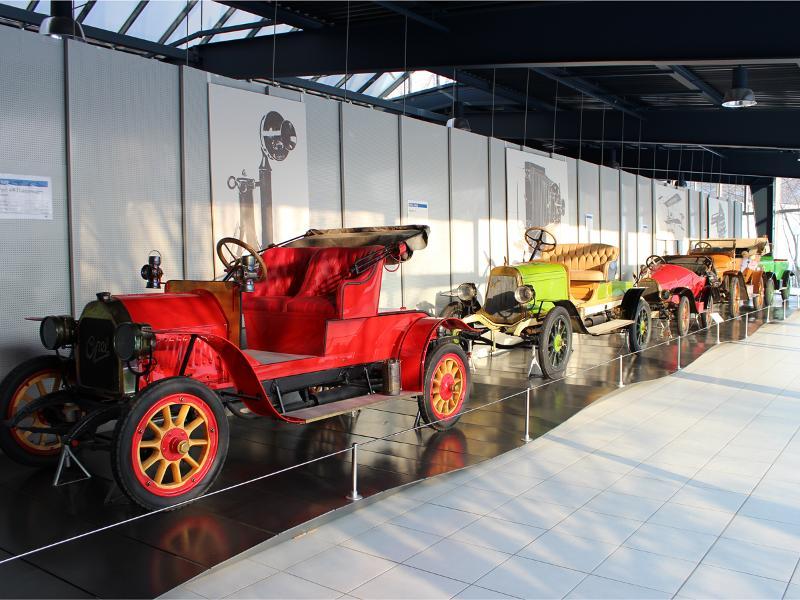 """""""Die gute alte Zeit"""" - Sonderführung im EFA-Automobilmuseum Amerang"""