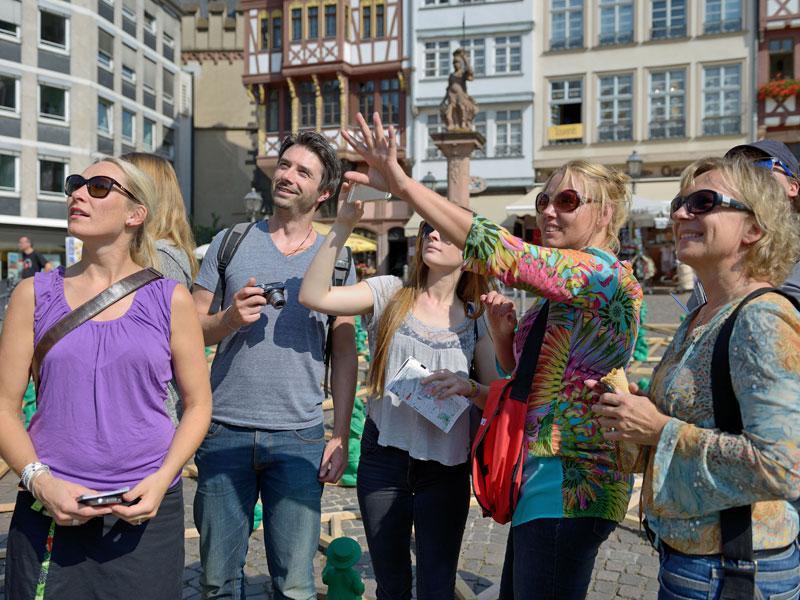 Frankfurt City Walk (German) - Students and Apprentices