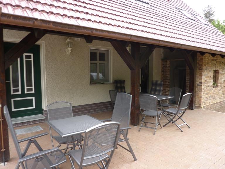 Eingangsbereich/Terrasse Backhaus