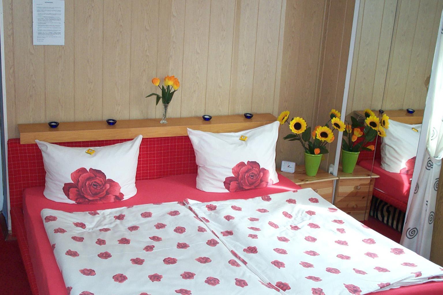 Zimmer1_Bett