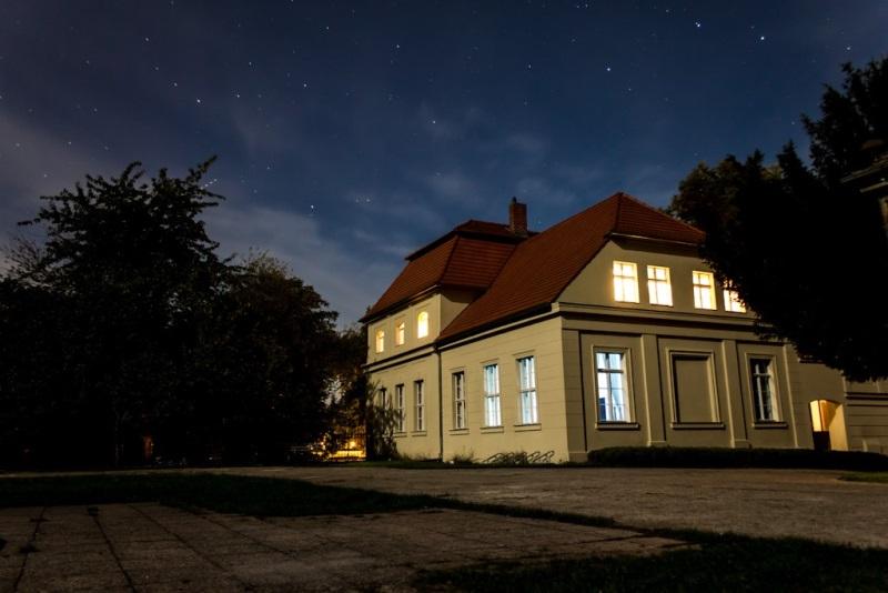 Gästehaus Außenansicht - Abend