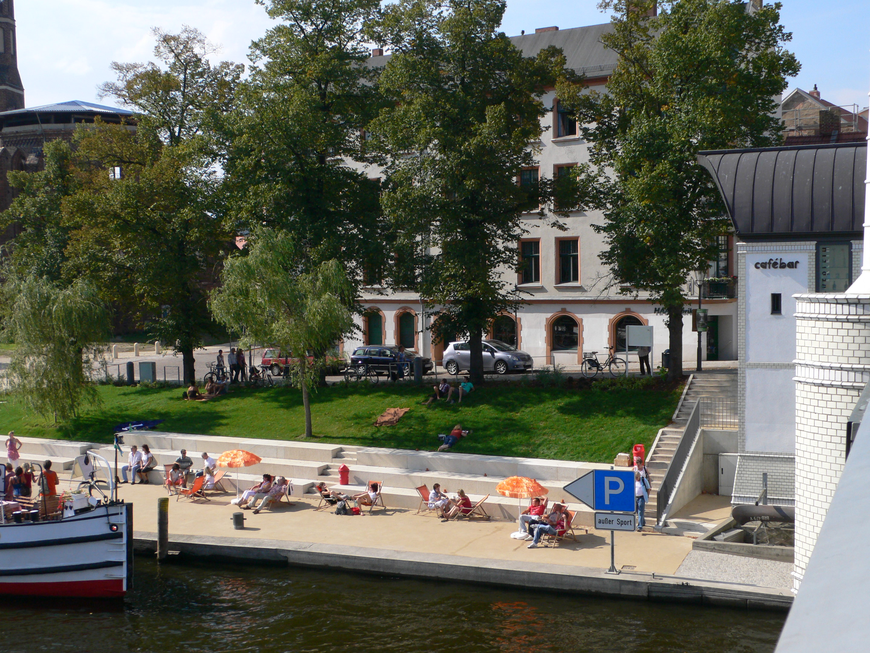 Liegewiese Cafe Bar