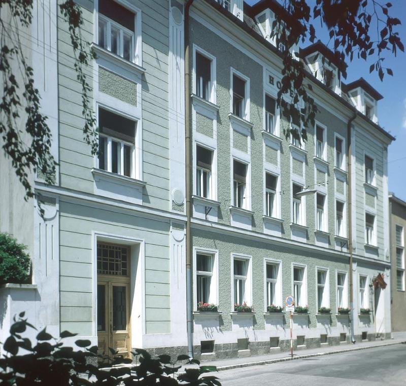 Hotel Pension Rauch Baden Bei Wien Wienerwald Tourismus Unterkunfte