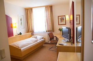 Single Room / Author: Sabrina Voss / Copyright holder: © Hotel Holzinger