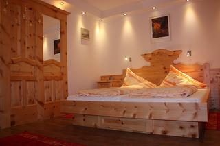 Doppelzimmer Comfort mit Balkon / Urheber: Katharina Skoupy / Rechteinhaber: © Ehrenfried Vierthaler