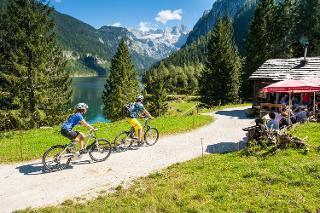 E-Mountainbiken beim Gosausee am Dachstein