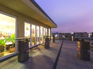 Dachterasse / Rechteinhaber: © A&O Hotels & Hostels Holding AG
