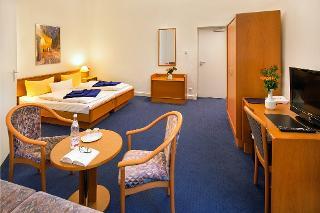 Dreibett Zimmer / Urheber: Arco Hotel / Rechteinhaber: © Arco Hotel