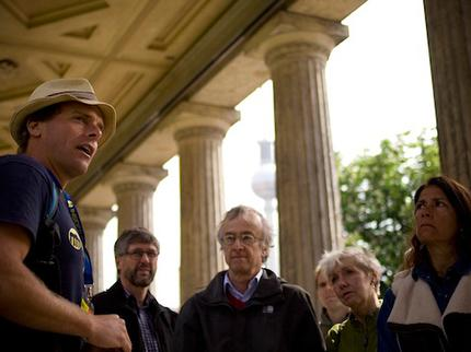 Insider Tour - Famous Walk Hidden Berlin & All Main sites (10.00 und 10.30 Uhr) - Senioren