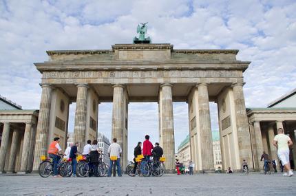 Berlin on Bike - Berlin im Überblick Fahrradtour (inkl. Leihrad) - Ticket ermäßigt (Schüler/Student)