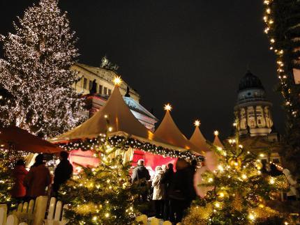 BEX-Weihnachtliche Lichterfahrt inkl. Glühweingutschein & Lebkuchen Kind |ab Ku'damm 17 Uhr