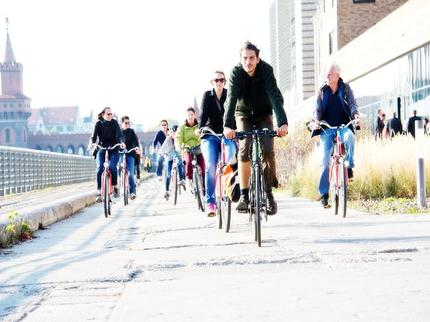 "Free Berlin - Guided Bike Tour ""Vibes of Berlin"" (incl. bike & helmet) - Entrance ticket reduced (pupil/student BWC discount)"