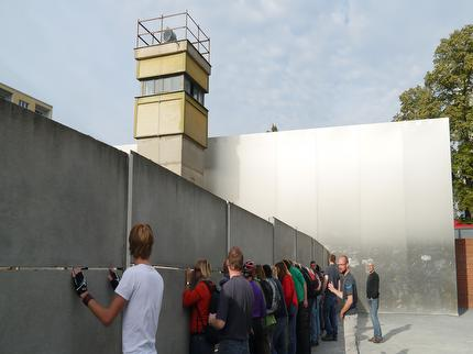"Free Berlin - Guided Bike Tour ""The Wall/III. Reich"" (incl. bike & helmet) - Entrance ticket adult"