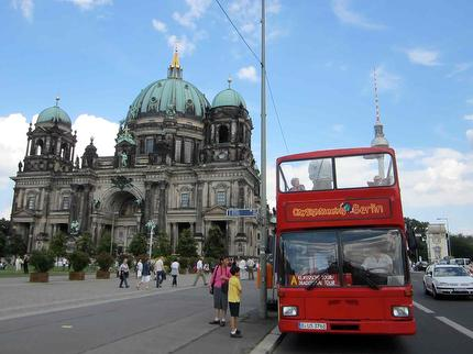 Berlin City Tour - Hop On Hop Off Sightseeing Bustour - Classic Tour 48 hours - ticket reduced (6-14 years)