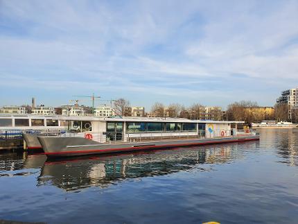 Ticket Spreefahrt mit dem Solar-Katamaran Abfahrt: Jannowitzbrücke Erwachsene