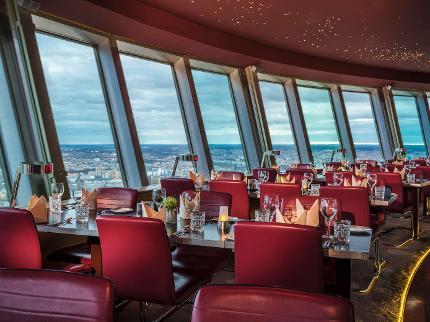 Fernsehturm Berlin: 3-Gänge-Menü Panorama-Abendessen mit Schnelleinlass