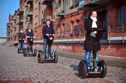 Segwaytour along the river Weser into the Ueberseestadt (German)