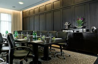 Boardroom Tagungsraum / Author: Ameron Parkhotel Euskirchen / Copyright holder: © Ameron Parkhotel Euskirchen