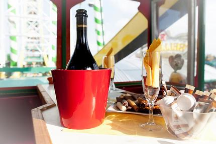 Prosecco zum Picknick/Kaffeklatsch im Riesenrad