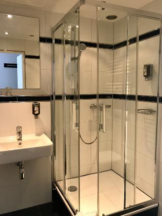 Badezimmer Zweibettzimmer