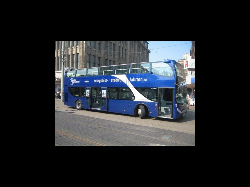 blauer Dosto Buer Hochstraße / Urheber: Ruhrgebiet-Stadtrundfahrten / Rechteinhaber: © Ruhrgebiet-Stadtrundfahrten