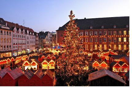 Weihnachtliche Führung - Deutsch