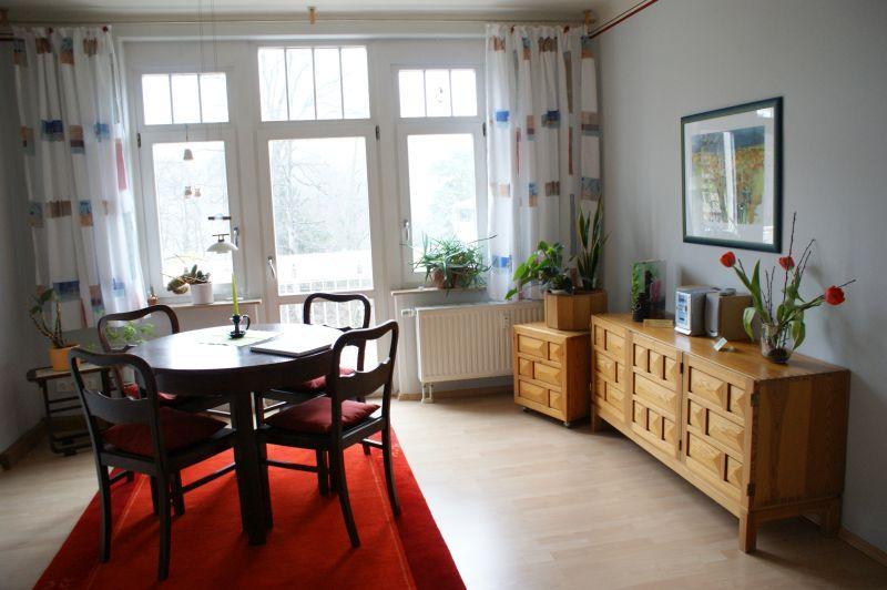Wohnzimmer Blick Balkon / Urheber: Gisela Förster / Rechteinhaber: © Gisela Förster