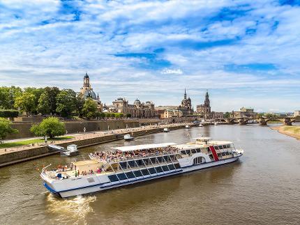 Große Entdeckertour mit Schiff, Bergbahn und Bus