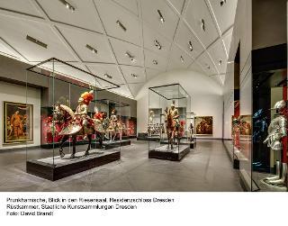 Blick in den Riesensaal, Residenzschloss Dresden / Urheber: Foto: David Brandt / Rechteinhaber: © Staatliche Kunstsammlungen Dresden, Rüstkammer