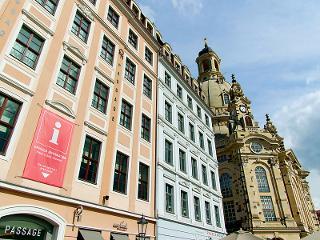 Dresden Information an der Frauenkirche / Urheber: Martin Dietrich / Rechteinhaber: © Dresden Information
