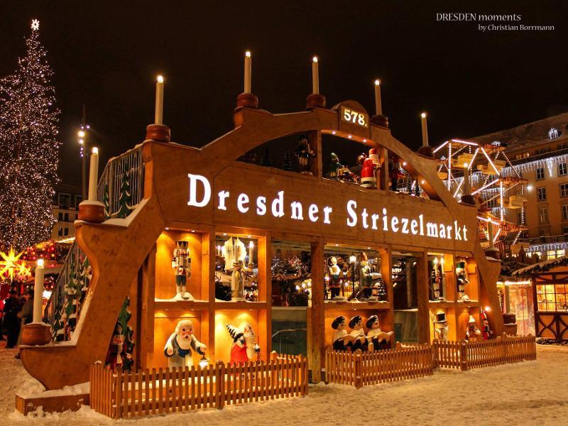 Schwibbogen Eingang Striezelmarkt / Urheber: Christian Borrmann / Rechteinhaber: © Christian Borrmann