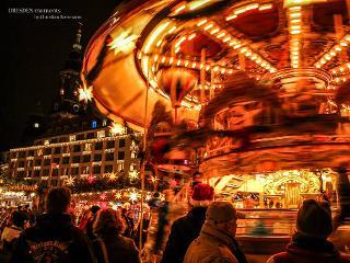 Historisches Karuseel Striezelmarkt / Urheber: Christian Borrmann / Rechteinhaber: © Christian Borrmann