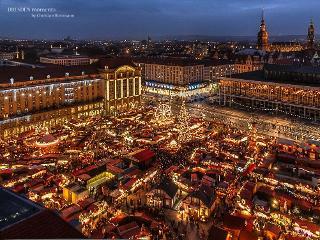 Weihnachtsmarkt Vogelperspektive / Urheber: Christian Borrmann / Rechteinhaber: © Christian Borrmann